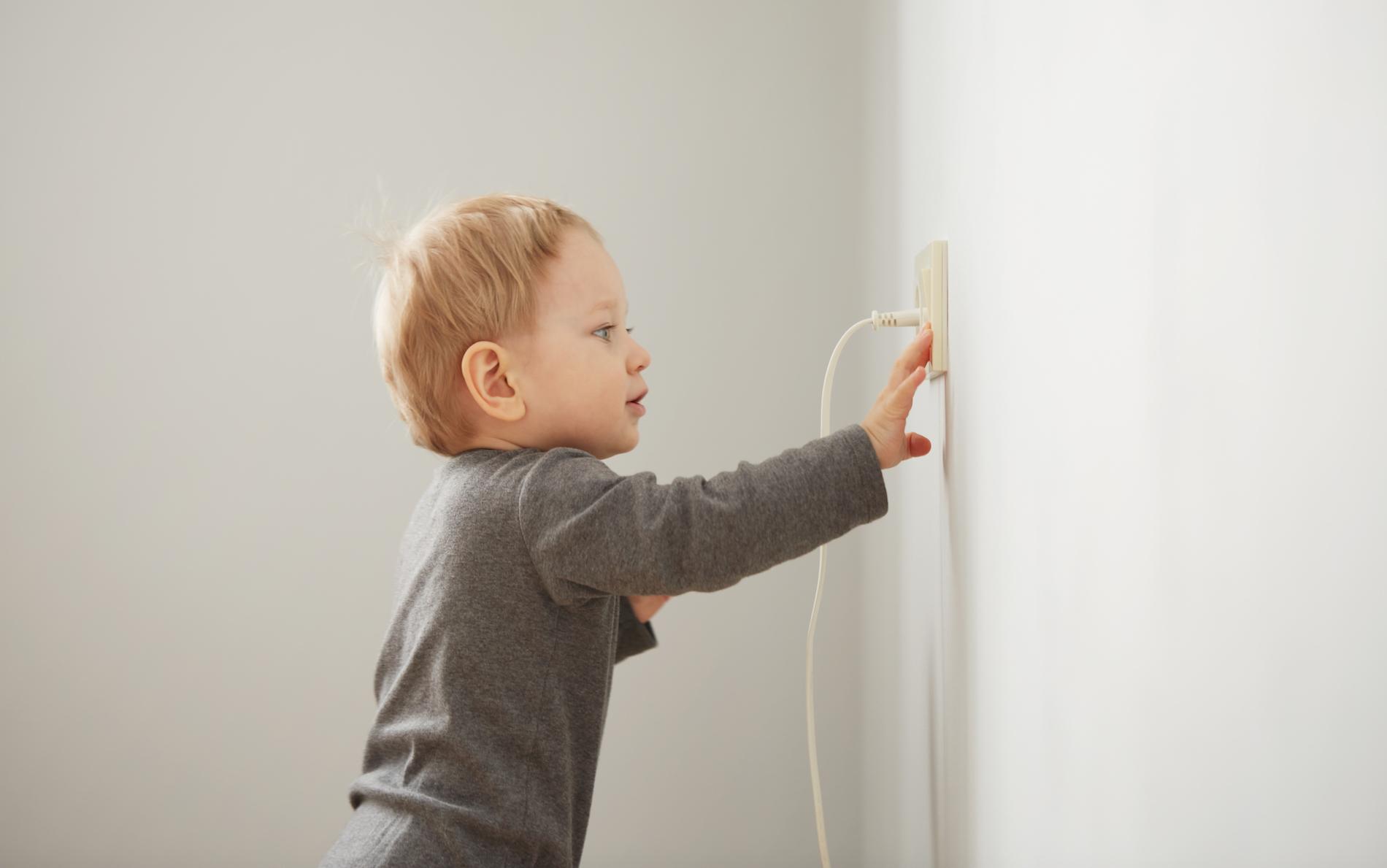 Tamper-resistant receptacles Denver residential electricians